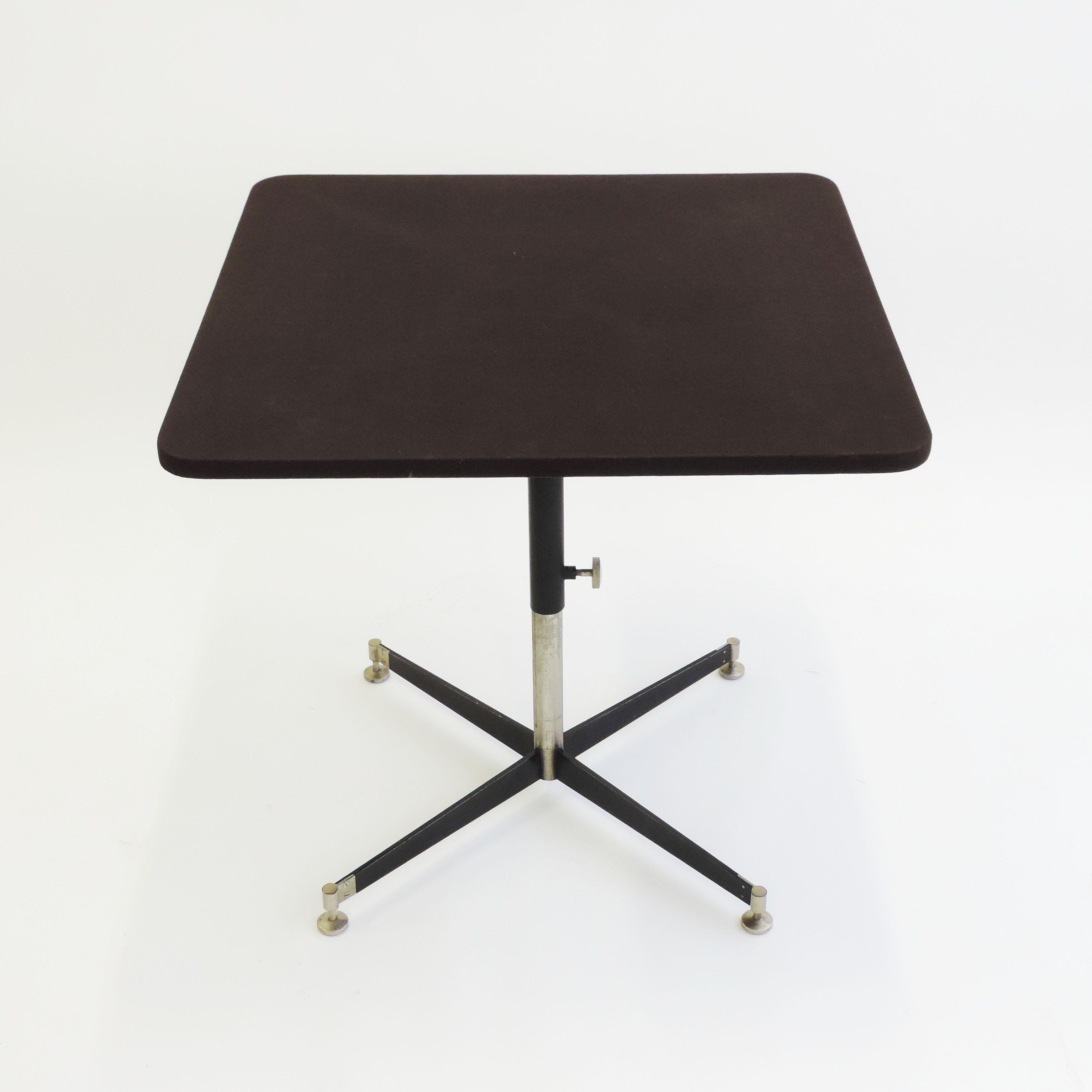 Ignazio Gardella 'T5' Adjustable Cocktail Table for Azucena